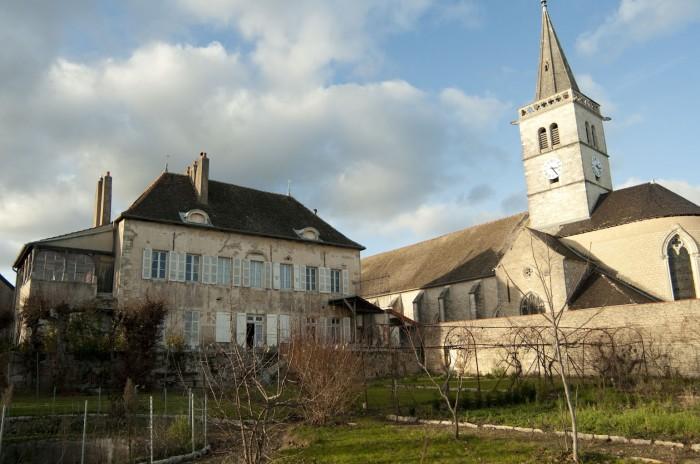 ドメーヌはリュリィの教会に隣接している
