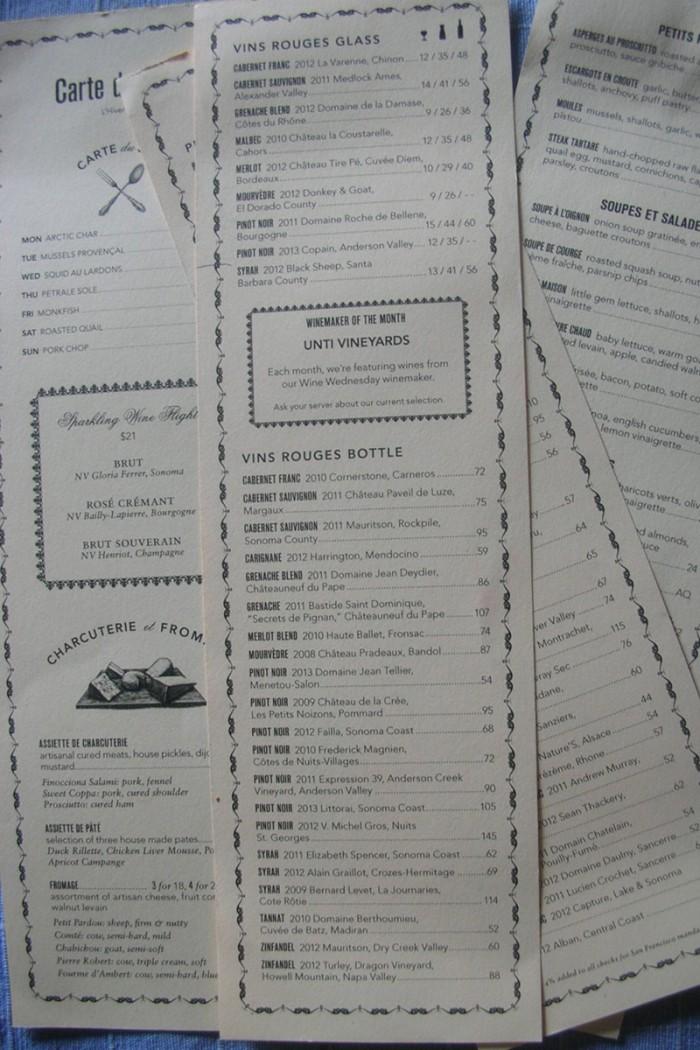 ぶどう品種毎に分けられたワイン・リスト。ピノ・ノワールが圧倒的