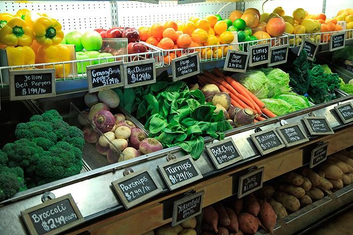 ワイナリーでは現在でも自家栽培の野菜の販売をおこなっている